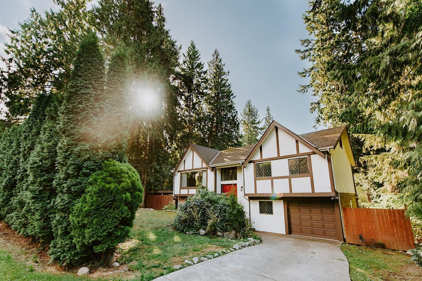 Main Photo: 972 CHERYL ANN PARK Road: Roberts Creek House for sale (Sunshine Coast)  : MLS®# R2618747