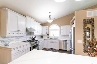 Photo 10: 407 Greaves Crescent in Saskatoon: Willowgrove Residential for sale : MLS®# SK859591