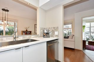 """Photo 12: 106 2588 ALDER Street in Vancouver: Fairview VW Condo for sale in """"BOLLERT PLACE"""" (Vancouver West)  : MLS®# R2429460"""
