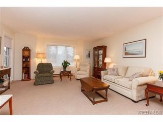 Photo 3: 204 2510 Bevan Ave in SIDNEY: Si Sidney South-East Condo for sale (Sidney)  : MLS®# 716849
