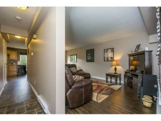 """Photo 4: 106 2844 273 Street in Langley: Aldergrove Langley Townhouse for sale in """"Chelsea Court"""" : MLS®# R2039587"""