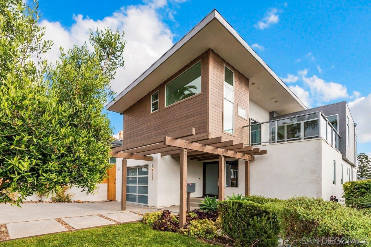 Main Photo: OCEAN BEACH House for sale : 5 bedrooms : 4523 Orchard Ave in San Diego