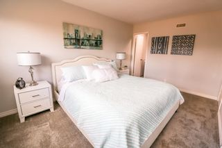 Photo 10: DEL CERRO House for sale : 3 bedrooms : 5355 Fontaine St in San Diego