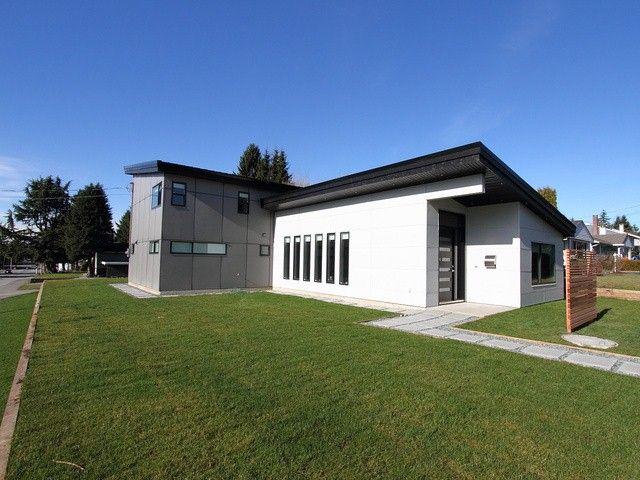Main Photo: 10005 127A Street in Surrey: Cedar Hills House for sale (North Surrey)  : MLS®# F1411050