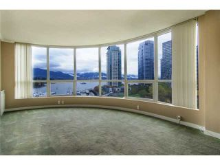 """Photo 3: 702 588 BROUGHTON Street in Vancouver: Coal Harbour Condo for sale in """"HARBOURSIDE PARK"""" (Vancouver West)  : MLS®# V978566"""