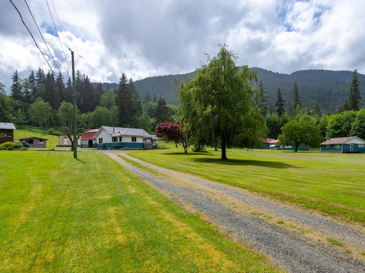 WELCOME TO ELKHAVEN - 989 Frenchman's Road, SAYWARD, B.C.