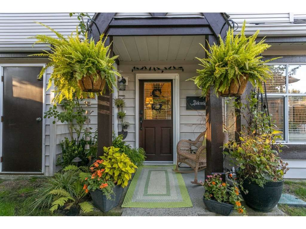 """Main Photo: 75 12099 237 Street in Maple Ridge: East Central Townhouse for sale in """"Gabriola"""" : MLS®# R2497025"""
