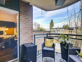 """Photo 18: 201 2665 W BROADWAY in Vancouver: Kitsilano Condo for sale in """"MAGUIRE BUILDING"""" (Vancouver West)  : MLS®# R2565478"""