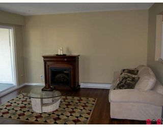 """Photo 5: 11 33900 MAYFAIR Avenue in Abbotsford: Central Abbotsford Townhouse for sale in """"MAYFAIR GARDENS"""" : MLS®# F2727739"""