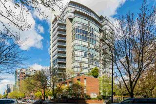 """Photo 1: PHB 139 DRAKE Street in Vancouver: Yaletown Condo for sale in """"CONCORDIA II"""" (Vancouver West)  : MLS®# R2169422"""