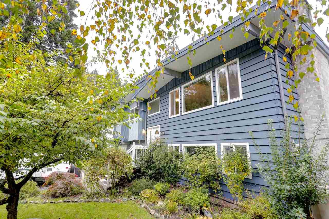 Main Photo: 3742 EVERGREEN Street in Port Coquitlam: Lincoln Park PQ House for sale : MLS®# R2114898