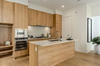 """Photo 4: 2559 E 40TH Avenue in Vancouver: Collingwood VE Townhouse for sale in """"East 40th"""" (Vancouver East)  : MLS®# R2593503"""