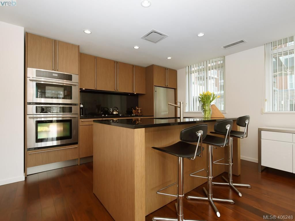 Photo 8: Photos: TH3 100 Saghalie Rd in VICTORIA: VW Songhees Row/Townhouse for sale (Victoria West)  : MLS®# 807394