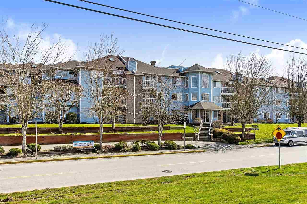 Main Photo: 209 11510 225 Street in Maple Ridge: East Central Condo for sale : MLS®# R2446932