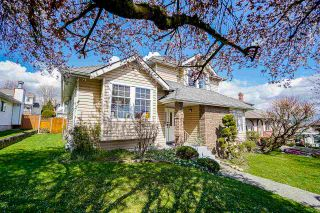 """Photo 3: 94 RICHMOND Street in New Westminster: Fraserview NW House for sale in """"Fraserview"""" : MLS®# R2563757"""