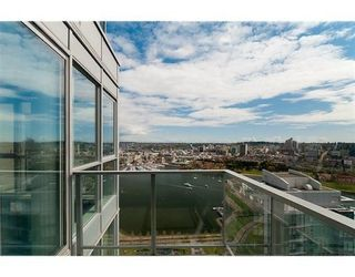 """Photo 10: # 4102 1408 STRATHMORE MEWS in Vancouver: False Creek North Condo for sale in """"west One"""" ()  : MLS®# V886987"""