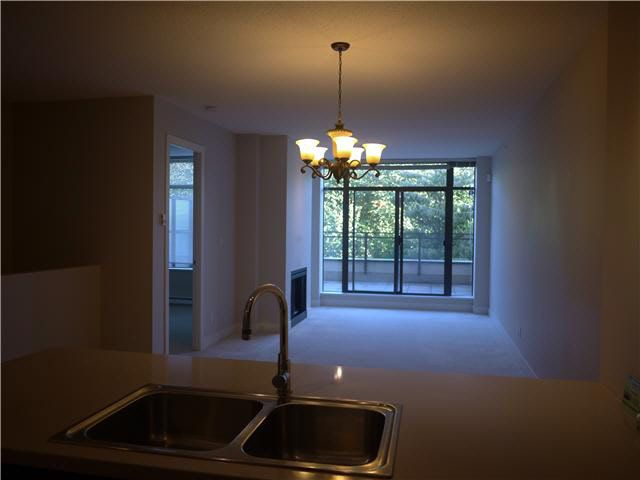 Photo 4: Photos: 100 9370 UNIVERSITY Crescent in Burnaby: Simon Fraser Univer. Condo for sale (Burnaby North)  : MLS®# V1079205