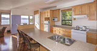 "Photo 15: 21 - 22 PASSAGE Island in West Vancouver: Howe Sound House for sale in ""PASSAGE ISLAND"" : MLS®# R2412224"