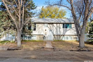 Main Photo: 243 Magee Crescent in Regina: Argyle Park Residential for sale : MLS®# SK874733