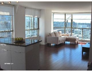 """Photo 2: 1701 888 PACIFIC Street in Vancouver: False Creek North Condo for sale in """"PACIFIC PROMENADE"""" (Vancouver West)  : MLS®# V675304"""
