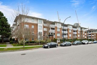 """Photo 16: 402 4723 DAWSON Street in Burnaby: Brentwood Park Condo for sale in """"COLLAGE"""" (Burnaby North)  : MLS®# R2465101"""