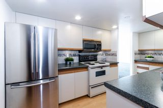 """Photo 10: PH4 1950 ROBSON Street in Vancouver: West End VW Condo for sale in """"THE CHATSWORTH"""" (Vancouver West)  : MLS®# R2619164"""
