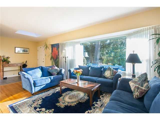 Photo 2: Photos: 756 BLYTHWOOD Drive in North Vancouver: Delbrook House for sale : MLS®# V1046211