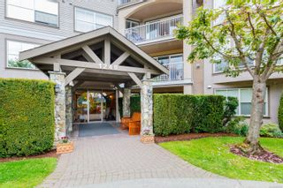 Photo 3: 103 1240 Verdier Ave in : CS Brentwood Bay Condo for sale (Central Saanich)  : MLS®# 859752