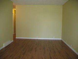 Photo 3: 1751 66 Avenue SE in CALGARY: Lynnwood_Riverglen Residential Detached Single Family for sale (Calgary)  : MLS®# C3580190