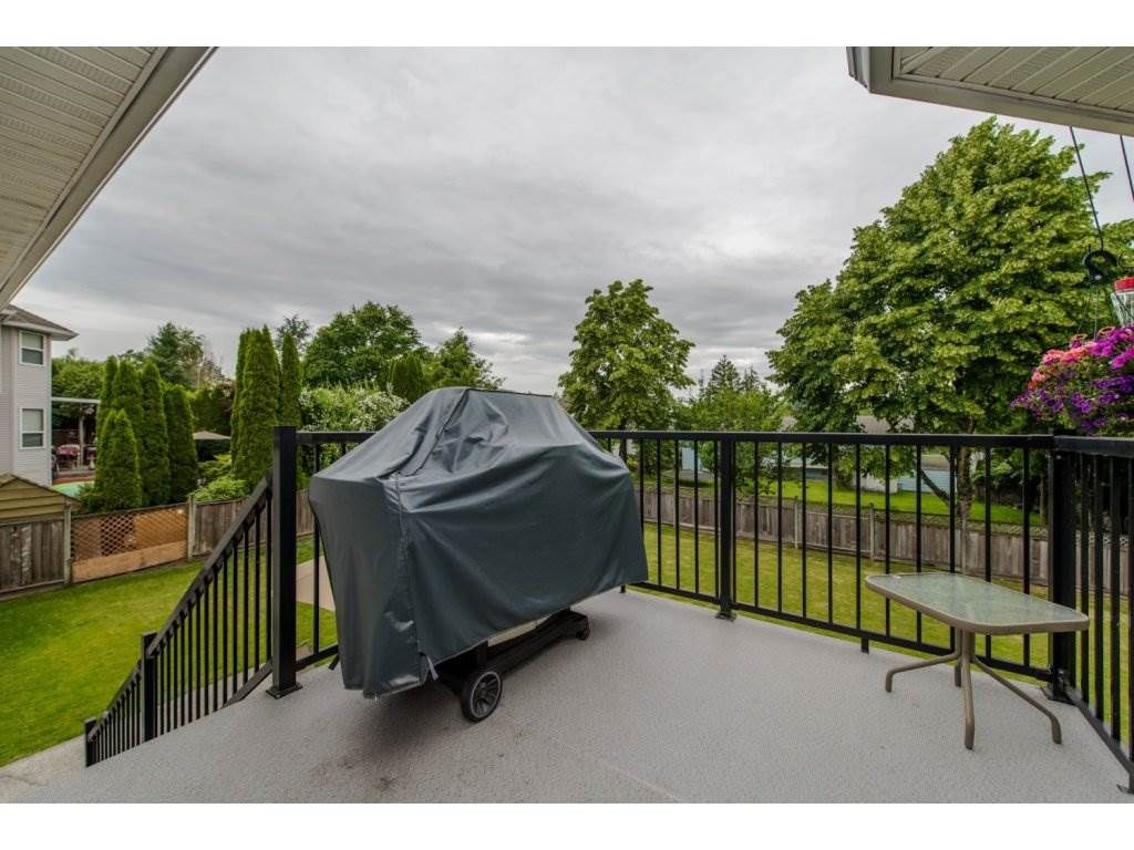 """Photo 2: Photos: 27091 24A Avenue in Langley: Aldergrove Langley House for sale in """"South Aldergrove"""" : MLS®# R2080123"""