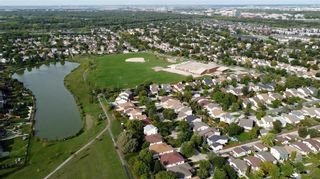 Photo 40: 90 Healy Crescent in Winnipeg: River Park South Residential for sale (2F)  : MLS®# 202122238