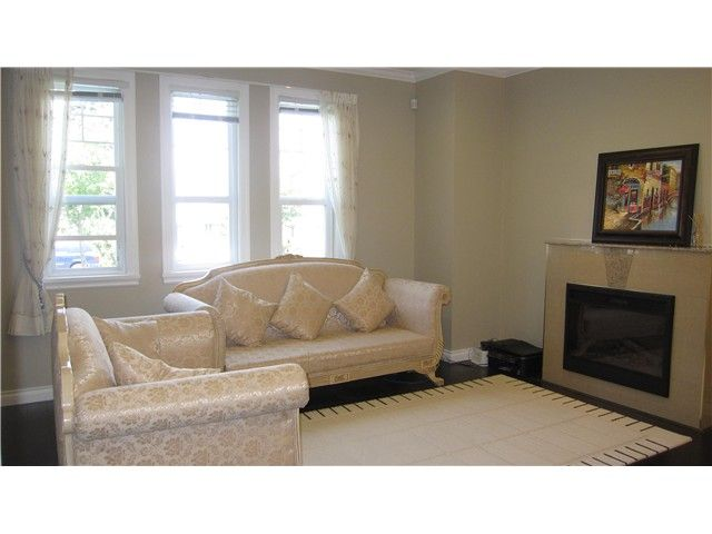 Photo 4: Photos: 4776 SHEPHERD ST in Burnaby: Forest Glen BS 1/2 Duplex for sale (Burnaby South)  : MLS®# V1068290