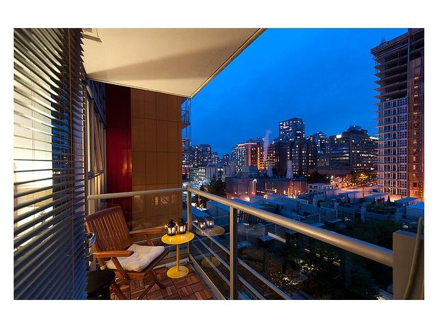"""Photo 8: Photos: # 706 111 W GEORGIA ST in Vancouver: Downtown VW Condo for sale in """"111 WEST GEORGIA"""" (Vancouver West)  : MLS®# V911690"""