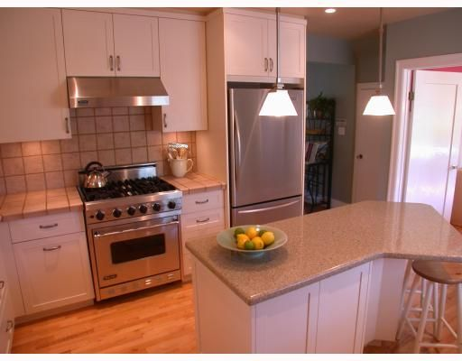 """Photo 4: Photos: 3282 W 33RD Avenue in Vancouver: MacKenzie Heights House for sale in """"MACKENZIE HEIGHTS"""" (Vancouver West)  : MLS®# V711226"""