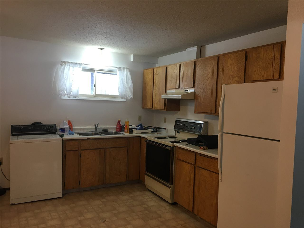 Photo 15: Photos: 160 BETTCHER Street in Quesnel: Quesnel - Town House for sale (Quesnel (Zone 28))  : MLS®# R2337127