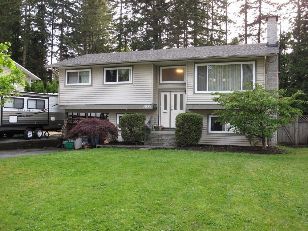 Main Photo: 3897 203A Street in Langley: Home for sale : MLS®# F1411898