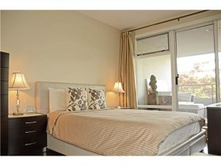 """Photo 5: 213 6015 IONA Drive in Vancouver: University VW Condo for sale in """"CHANCELLOR HOUSE"""" (Vancouver West)  : MLS®# V1052273"""