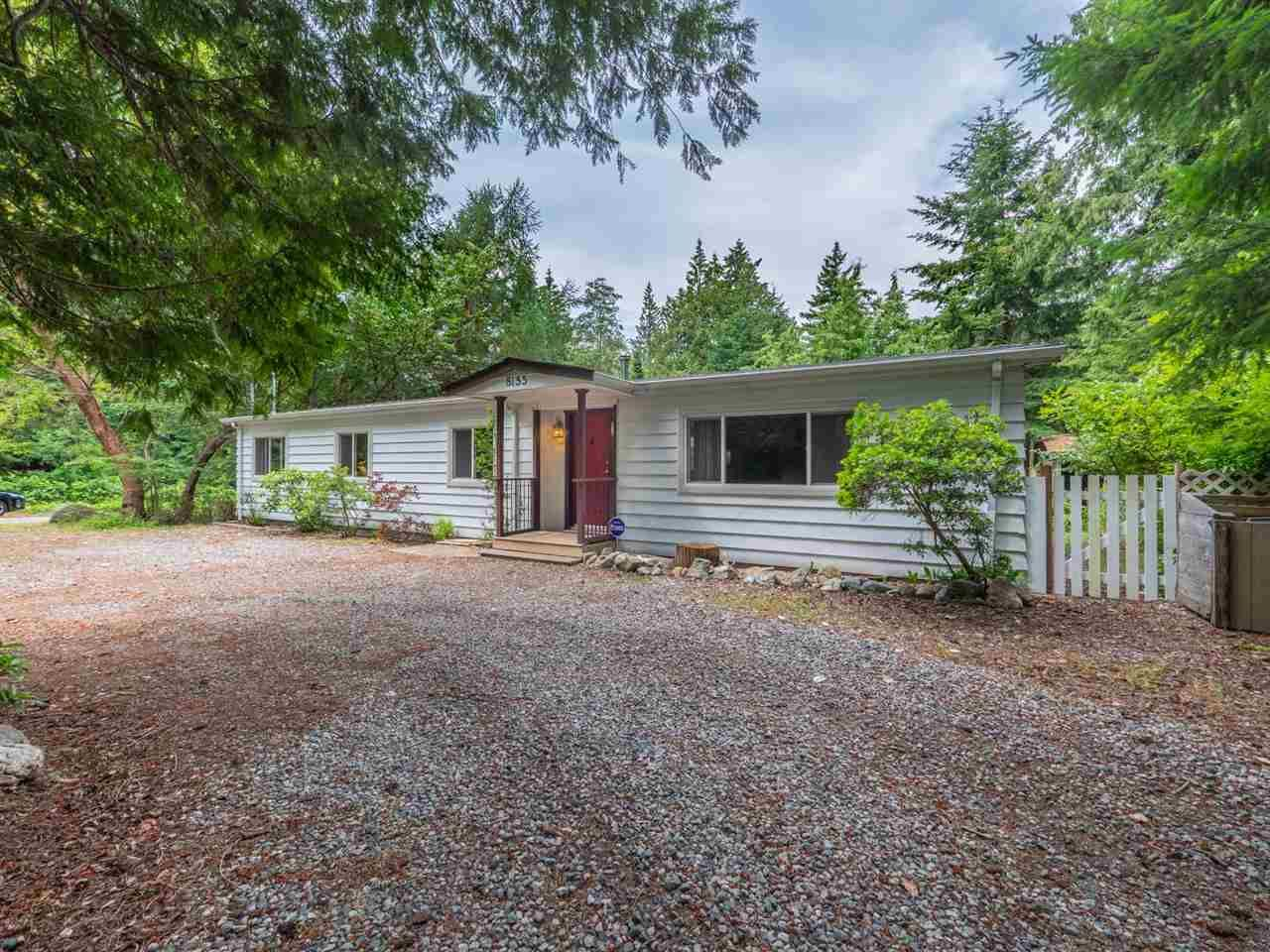 """Main Photo: 8155 WESTWOOD Road in Halfmoon Bay: Halfmn Bay Secret Cv Redroofs House for sale in """"Welcome Woods"""" (Sunshine Coast)  : MLS®# R2282516"""
