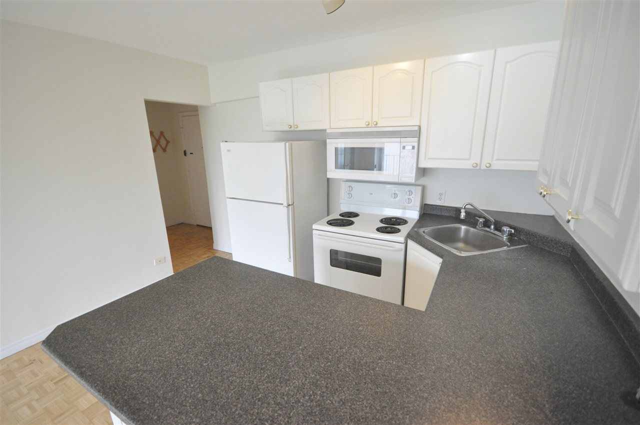 Photo 7: Photos: 608 11025 JASPER Avenue in Edmonton: Zone 12 Condo for sale : MLS®# E4189379