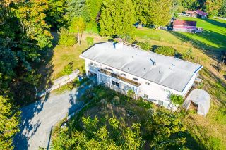 Photo 3: 31050 HARRIS Road in Abbotsford: Bradner House for sale : MLS®# R2603934