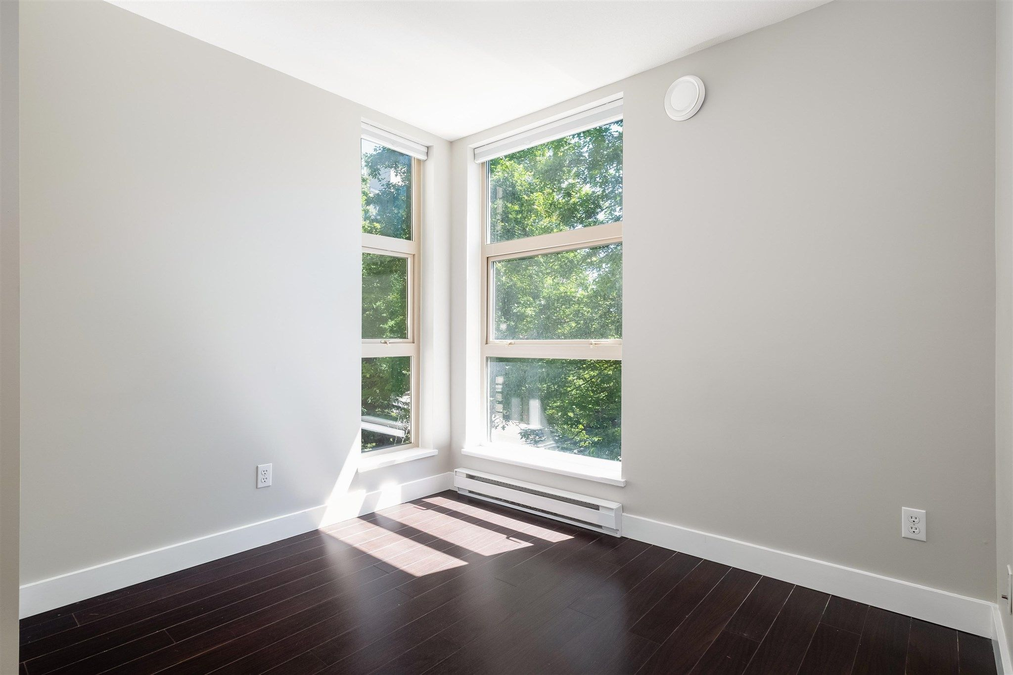 """Photo 11: Photos: 211 9339 UNIVERSITY Crescent in Burnaby: Simon Fraser Univer. Condo for sale in """"HARMONY"""" (Burnaby North)  : MLS®# R2597666"""