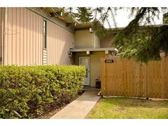 Main Photo: 605 11010 BONAVENTURE Drive SE in CALGARY: Willow Park Townhouse for sale (Calgary)  : MLS®# C3620389