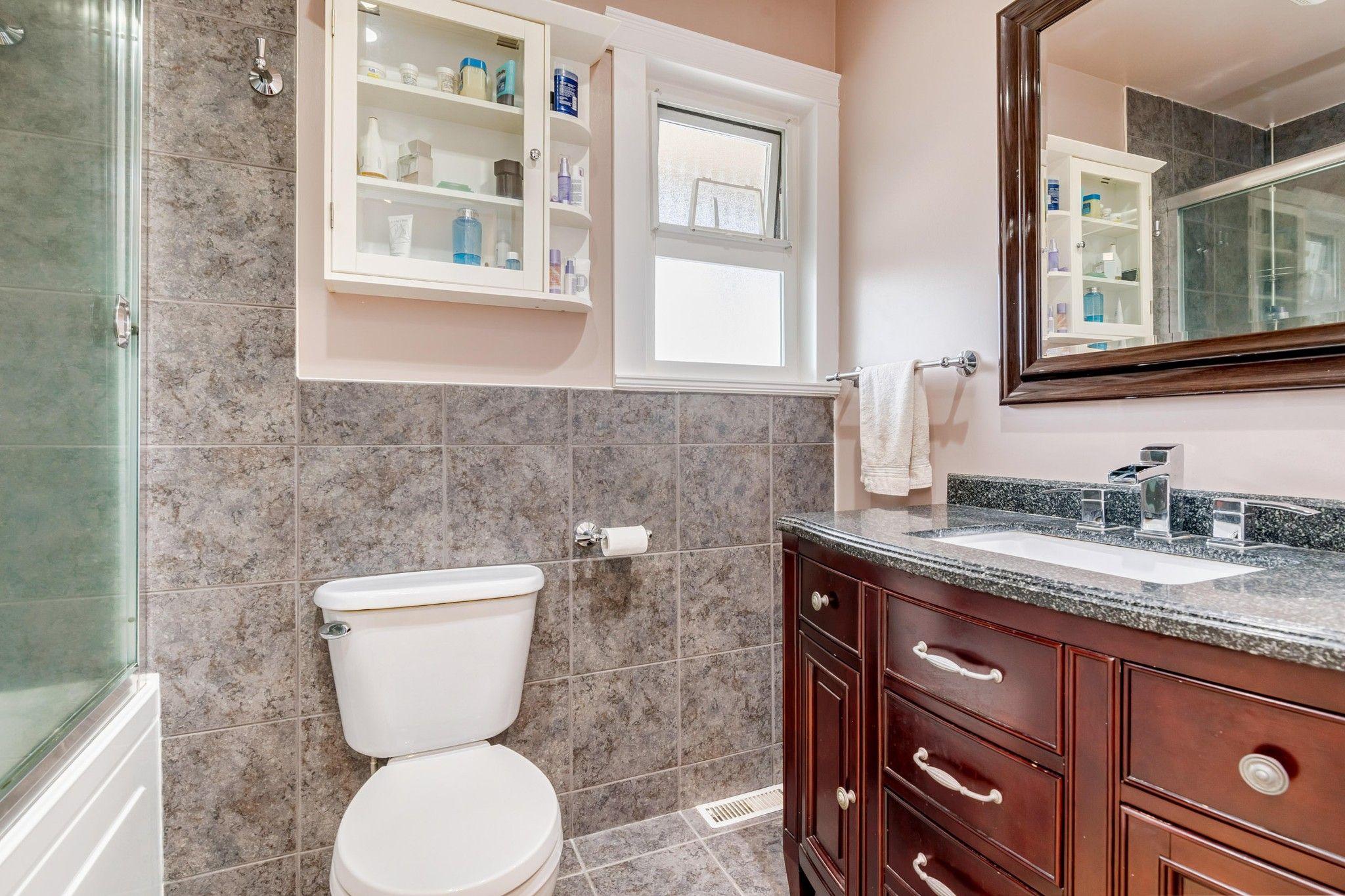 Photo 11: Photos:  in : Southwest Maple Ridge House for sale (Maple Ridge)  : MLS®# R2455980