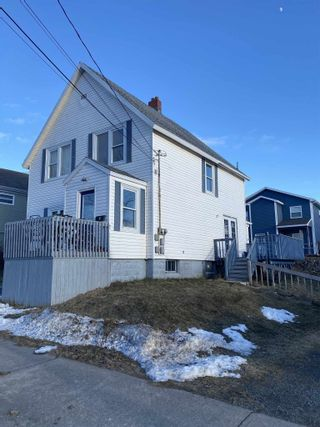 Photo 2: 360 St. Peters Road in Sydney: 201-Sydney Residential for sale (Cape Breton)  : MLS®# 202101237