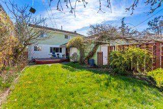 """Photo 17: 2615 E 56TH Avenue in Vancouver: Fraserview VE House for sale in """"FRASERVIEW"""" (Vancouver East)  : MLS®# R2561413"""