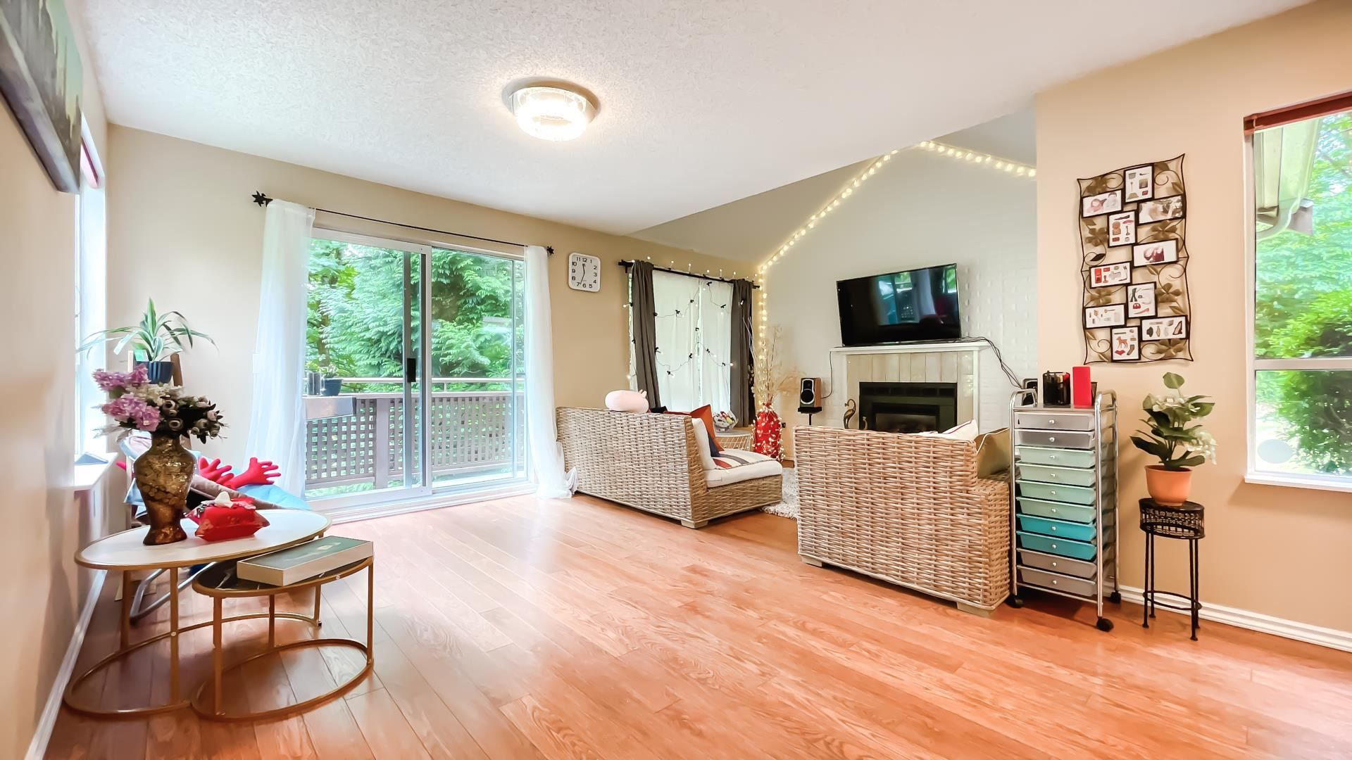 Photo 5: Photos: 66 9000 ASH GROVE CRESCENT in Burnaby: Forest Hills BN Townhouse for sale (Burnaby North)  : MLS®# R2603744