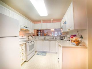 """Photo 8: 14 13640 84 Avenue in Surrey: Bear Creek Green Timbers Townhouse for sale in """"Trails at Bear Creek"""" : MLS®# R2457027"""