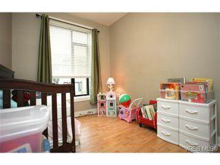 Photo 14: 103 3259 Alder St in VICTORIA: Vi Mayfair Condo for sale (Victoria)  : MLS®# 691053