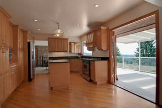 Photo 5: 1141 KILMER RD in North Vancouver: Lynn Valley House for sale : MLS®# V1009360