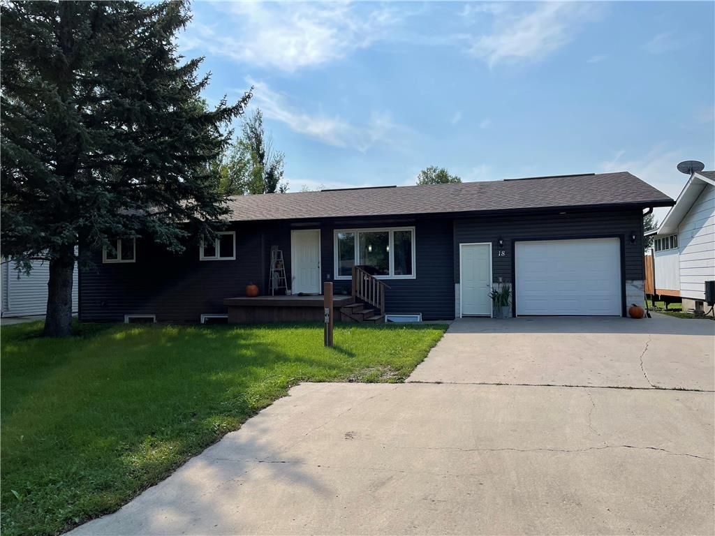 Main Photo: 18 Westwood Crescent in Altona: House for sale : MLS®# 202121974
